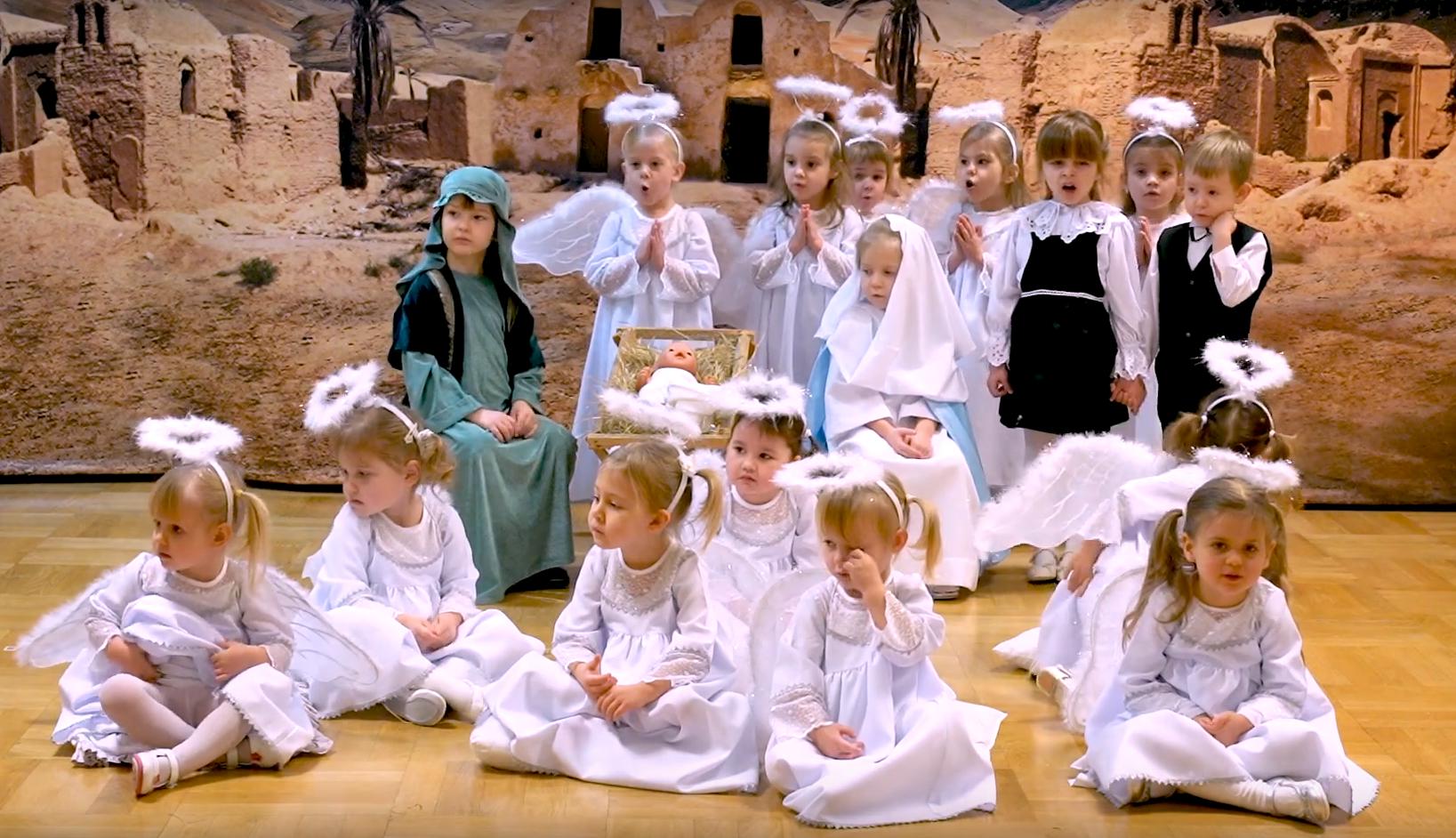 Jasełka w grupie 3 i 4 latków (21 grudnia 2020r.)