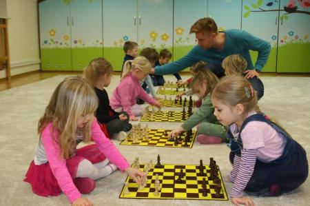 Zajęcia szachowe w grupie 4 -latków