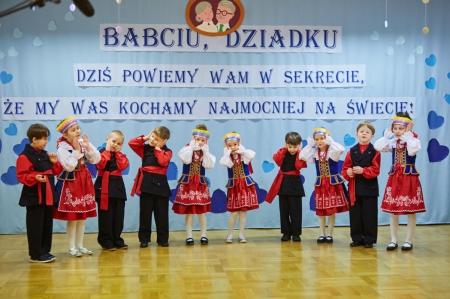 Występy z okazji Dnia Babci i Dziadka - 5 latki