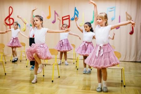 Pokaz taneczny w grupie 6 latków