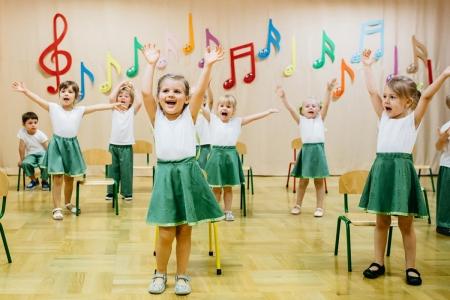 Pokaz taneczny w grupie 3 latków